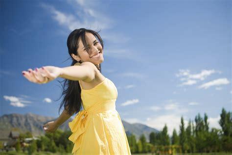 imagenes mujeres felices como se comportan las mujeres felices y exitosas serlatina