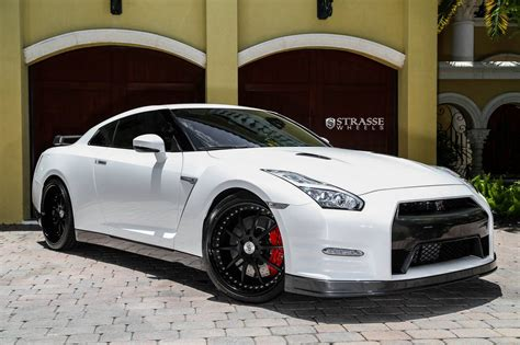 nissan gtr black edition white pearl white 2015 nissan gt r black edition with r10