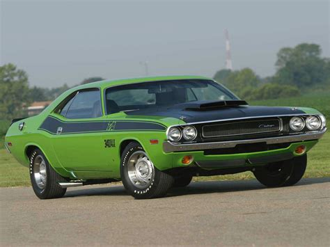 pictures of a challenger 1970 dodge challenger specs interior colors price