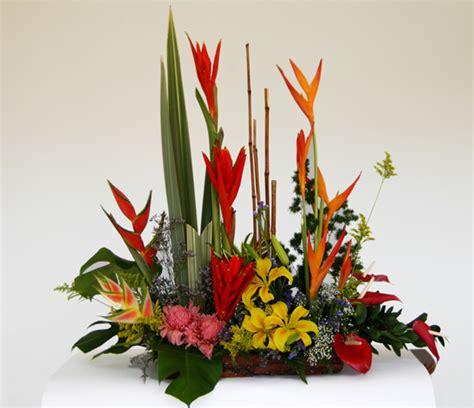 arreglos florales creativos arreglos tradicionales apexwallpapers quot arte y dise 209 o floral los tulipanes quot