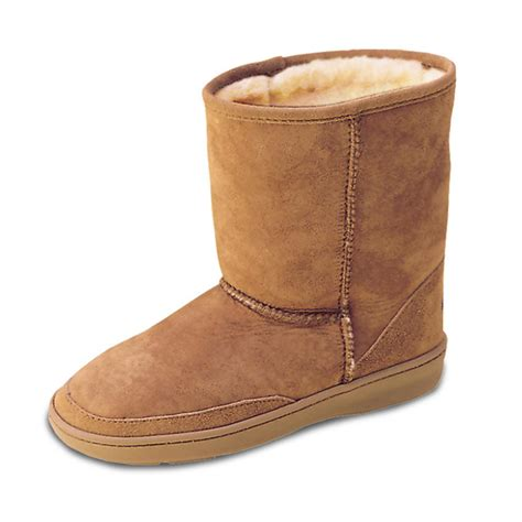 minnetonka pug boots minnetonka moccasins 174 sheepskin pug boots 48626 casual shoes at sportsman s