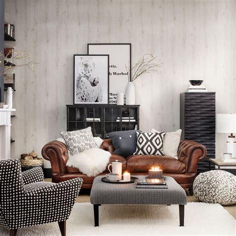 chesterfield sofa in living room alwinton corner sofa handmade fabric chesterfield style