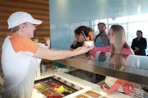 Pinkberry Garden City by Pinkberry Serves Up 7 584 For Basics Cranston Herald