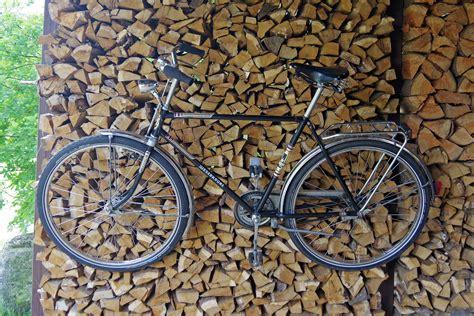 fahrradhalter garage fahrradhalter f 252 r die wand stahl rad de