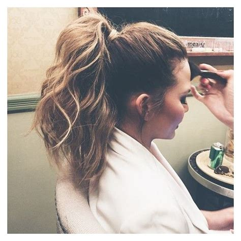 Ponytail Hairstyles Accessories by Exactly How To Recreate Chrissy Teigen S Textured Ponytail