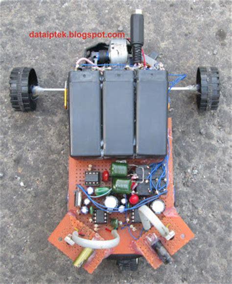 membuat rangkaian robot sederhana koleksi gambar robot sensor jarak bag 2 www data iptek