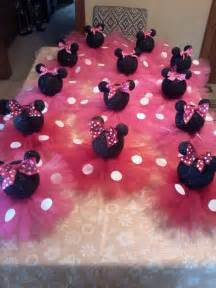 Minnie Mouse Table Decorations by Best 20 Minnie Mouse Decorations Ideas On