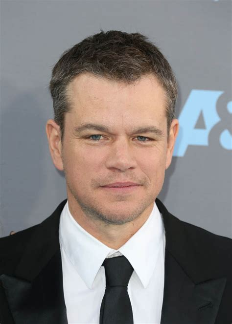damon matt matt damon and bryan cranston show up at the 2016 critics