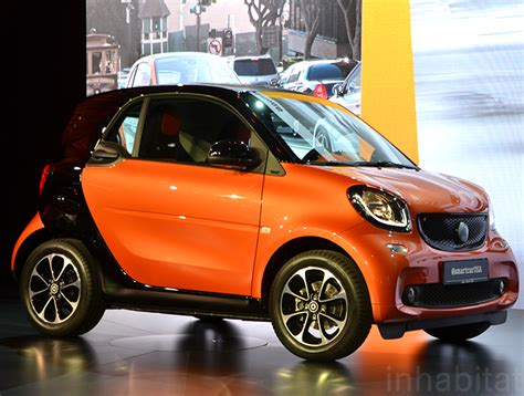 smart car 2016 2016 smart fortwo is a tiny super smart city car with