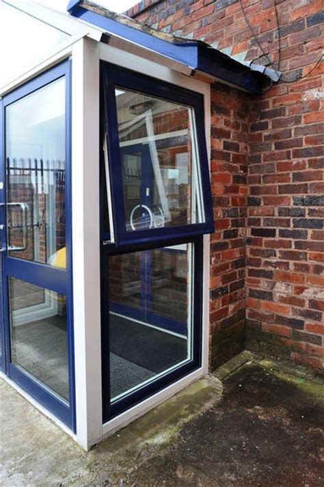 Awning Windows Vs Sliding Windows by Commercial Aluminium Windows Taurus Max Atb Systems