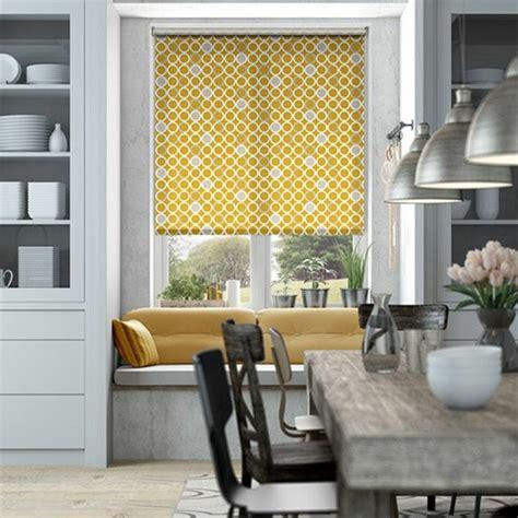 Superior Rideau Cuisine Moderne Jaune  #13: 0-store-enrouleur-velux-jaune-rideau-velux-jaune-meubles-de-cuisine-moderne.jpg
