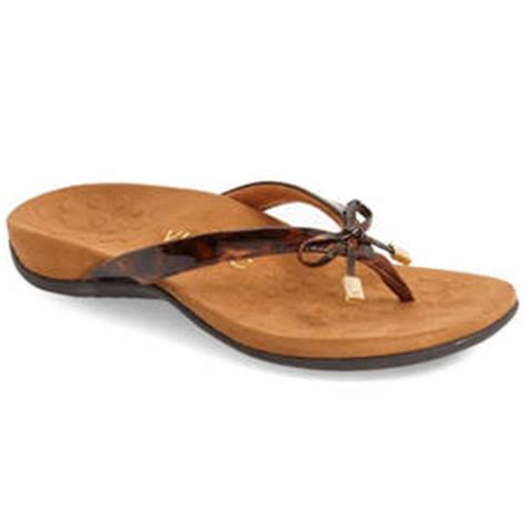 comfortable flip flops with arch support 8 flip flops with arch support health com