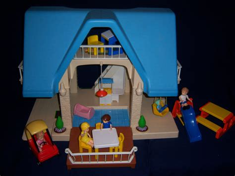 little tikes doll house blue roof little tikes dollhouse with blue roof and accessories coupe