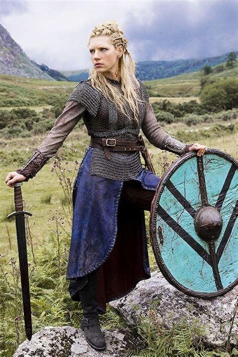 lagertha lothbrok how to dress like her homemade viking costume ideas costumemodels com