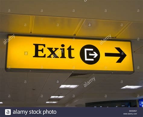 aeropuerto de gatwick salidas se 241 al de salida en el aeropuerto de gatwick reino unido