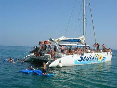 catamaran center barcelona alquiler catamar 225 n en barcelona para 80 personas