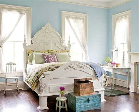 light blue bedroom colors 22 calming bedroom decorating ideas - Light Blue And White Bedroom Decorating Ideas
