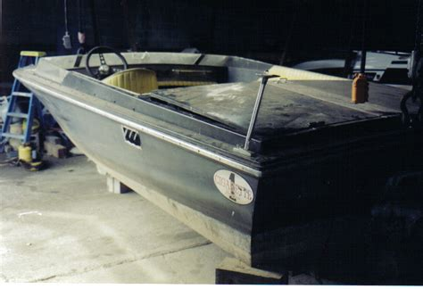 cigarette one boat for sale 72 cigarette 19ft for sale hull 1 offshoreonly