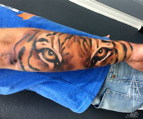 lion eyes tattoo the 25 best tiger ideas on tiger
