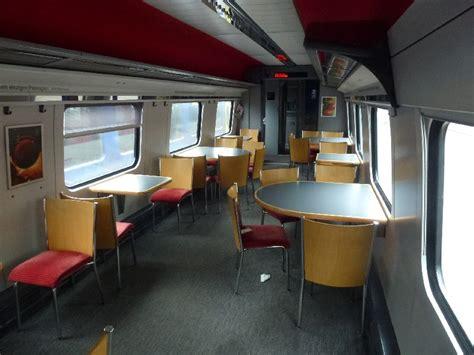 Asiatischer Speisesaal Tisch by Fahrgastbereich