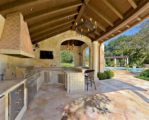 Covered Outdoor Kitchen Designs 12 Covered Outdoor Kitchens For Summer Entertaining Homes Of The Rich