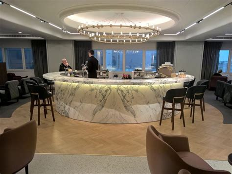 emirates qantas club airreview airline reviews opinions pictures of