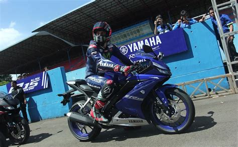 r15 new version 2017 all new yamaha yzf r15 v3 0 officially unveiled gets more