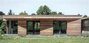 maison bois contemporaine bioclimatique par guillaume