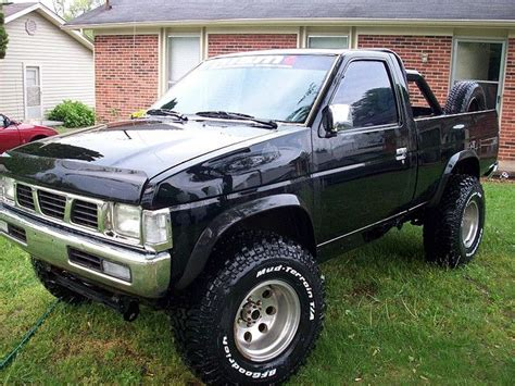 nissan pickup 4x4 lifted 18 best nissan trucks images on pinterest nissan trucks