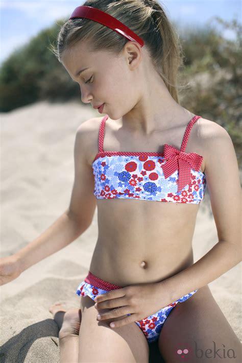 young preteen spread fashion bikini con estado floral de la colecci 243 n para verano