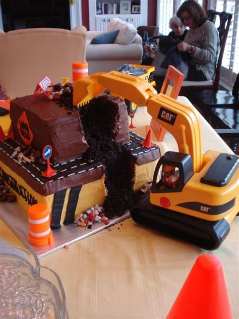 innovative party decorations and supplies myhomeimprovement incredible construction cakes for boys birthday