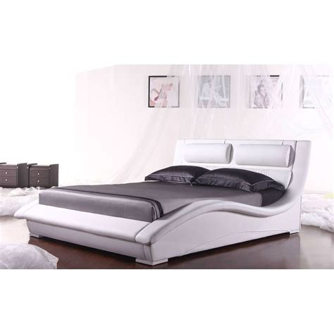 King Size Platform Bed With Headboard Napoli King Size Modern White Faux Leather Platform Bed With Headboard Beds Bed Frames