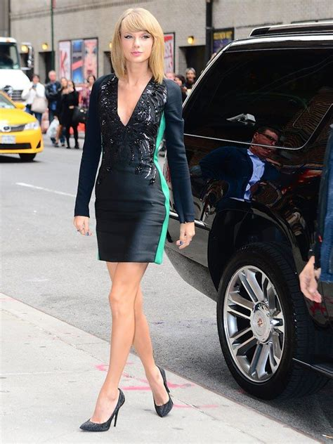 taylor swift 1989 dress up games taylor swift s mini dress will blow you away