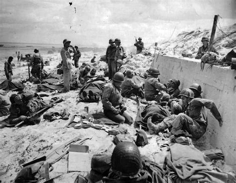 infantry section and platoon in battle us army 4th infantry division troops on utah red beach d