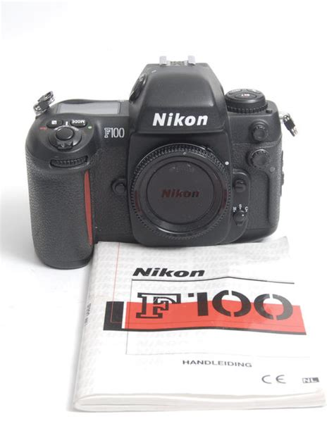 Kamera Nikon F100 nikon f100