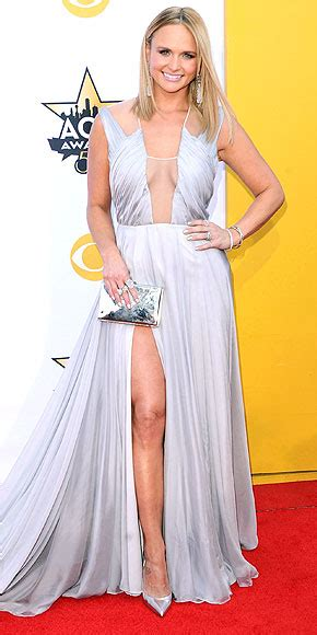 acm awards 2015 miranda lambert changes her outfit four red carpet gowns from every angle people com
