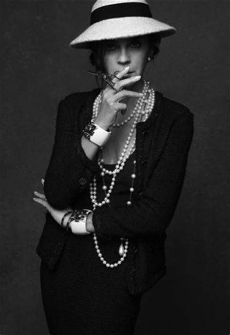 Jaket Gabrielle Chanel S Black Jacket Exhibition Is Coming To