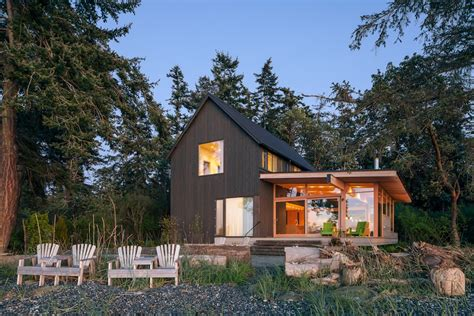 orcas island cottages bunny cottage makes a statement on orcas island