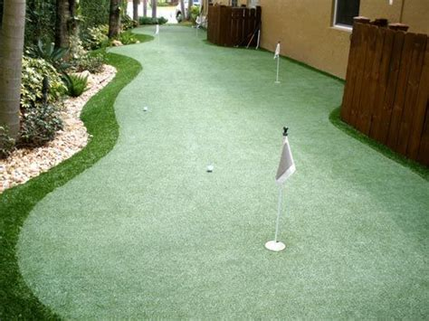 backyard golf drills 1000 ideas about backyard putting green on pinterest