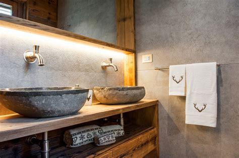 la casa bagno bagni per chalet baite e in montagna design alpino