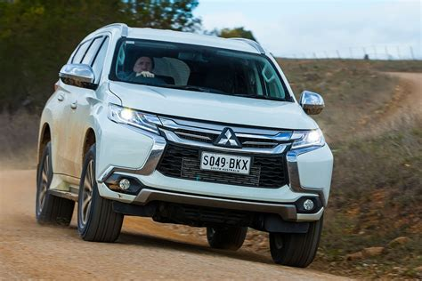 mitsubishi pajero sport 2017 2017 mitsubishi pajero sport review