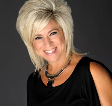 what did theresa caputo want to be before getting discovered long island medium did theresa caputo predict her split
