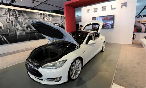 Tessler Auto by Tesla Model S Sedan Motor Trend 2013 Car Of The Year The