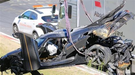 koenigsegg pakistan koenigsegg one 1 megacar crashes at the nurburgring in