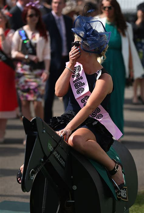 grand national 2015 ladies day at aintree racecourse in grand national 2015 ladies day fashion at aintree