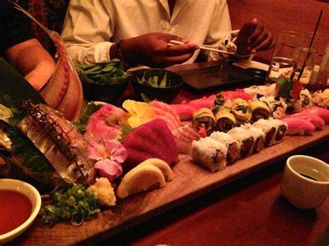 Sushi Showcase Pendingin Sushi G 180la platter picture of blue ribbon sushi bar grill the