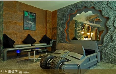 craziest bedrooms crazy batman room design skitzone