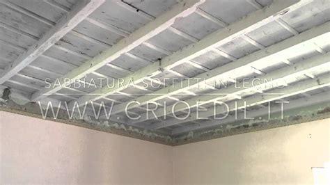 soffitto legno sabbiatura soffitto e velatura bianco