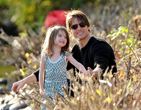 Tom Cruise Sign Suri Cruise As Baby Gap Model by Tom Cruise Spends S Day Without Suri Again
