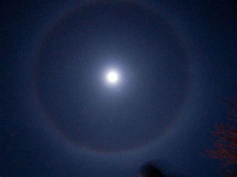 moon dogs moondogs of a blue moon on new years daniel reetz